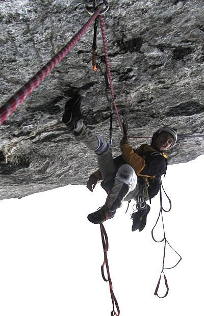 Paolo e le acrobazie per superare il tetto