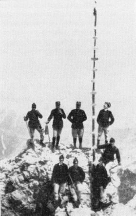 """Arturo Andreoletti e gli alpini che tentarono """"con mezzi artificiali"""" la scalata della Gusela (1909)"""