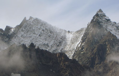 La prima neve sulle creste di confine