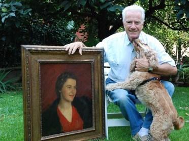 Lorenzo Boccalatte con il ritratto di mamma Ninì