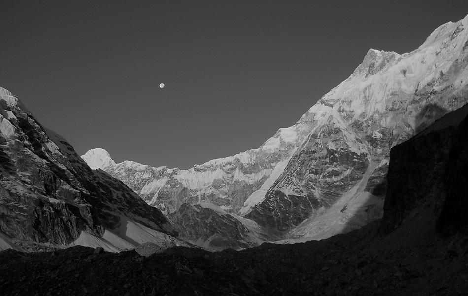 Luce radente sul Tonghsiong Glacier (ph. Anindya Mukherjee, 2011)