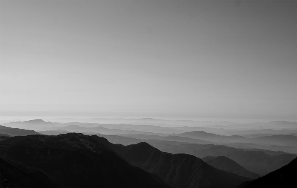Come muoiono lentamente le Alpi, ad est dove il sole nasce. (Kamniško-Savinjske Alpe, Slovenia)