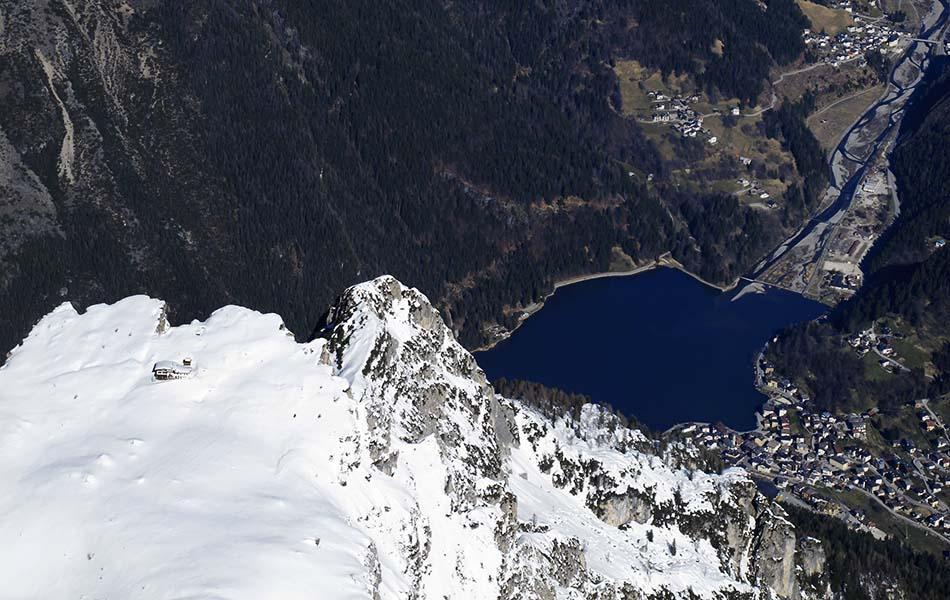 9. Rifugio Tissi e il lago di Alleghe (ph. Loris De Barba)