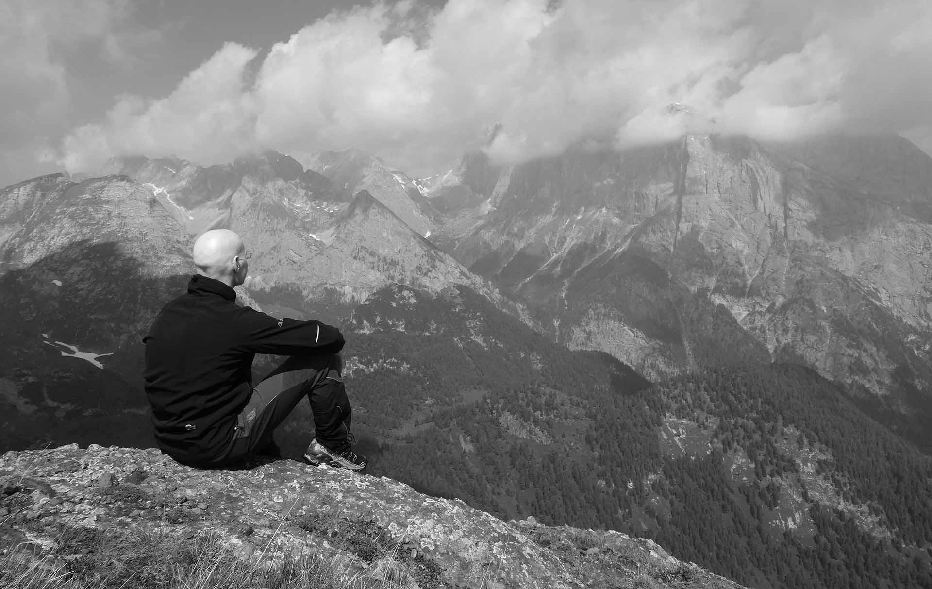 Pensieri oltre le difficoltà. Vista verso Ombretta e Marmolada