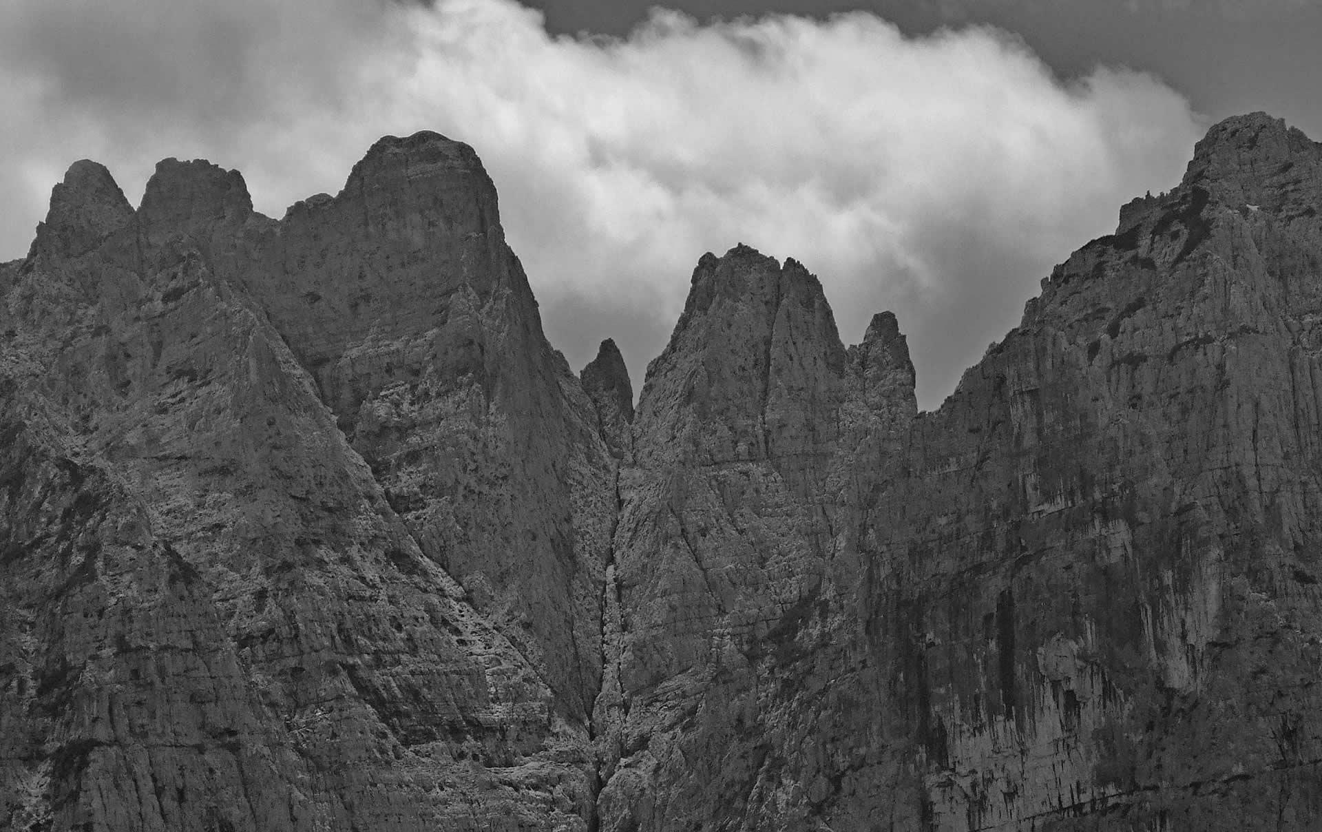 I Monti Ferùch dalla Val Crusa
