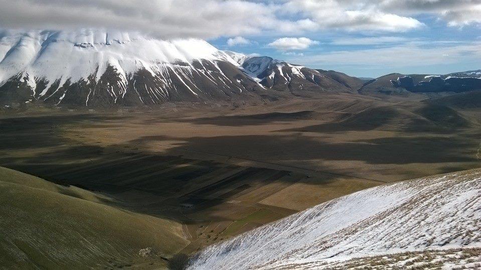 Il monte Vettore e il pian grande di Castelluccio di Norcia