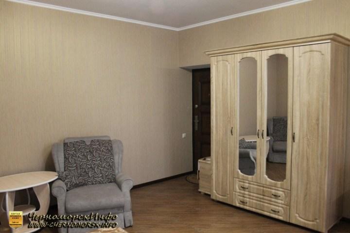 Номер Люкс - шкаф кресло столик