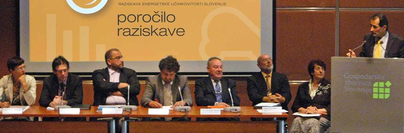 REUS_2011_OkroglaMiza_Foto_Branko-Bacovic
