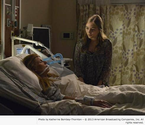 Connie Britton and Lennon Stella in Nashville