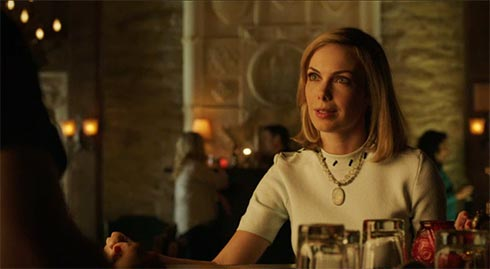Amanda Walsh as Elizabeth Helm