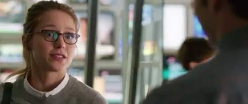Melissa Benoist looking like a mild mannered reporter in Supergirl