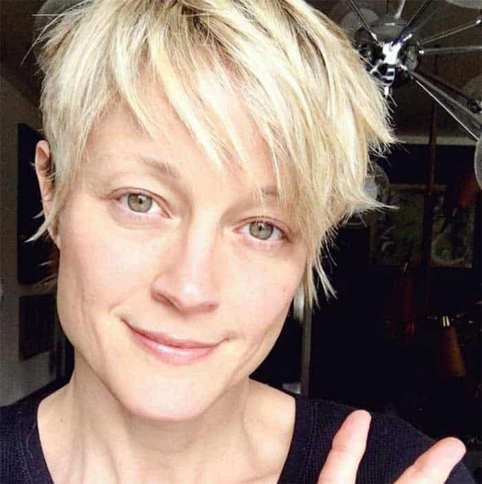 Teri Polo with short hair