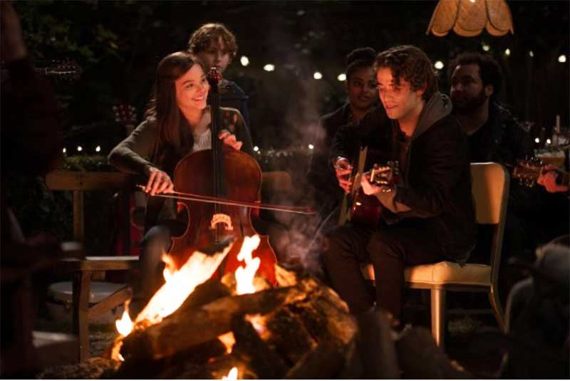 Chloë Grace Moretz and Jamie Blackley in If I Stay