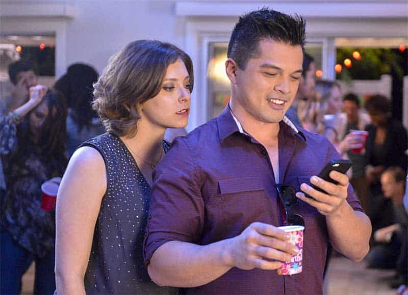 RAchel Bloom and Vincent Rodriguez III in Crazy Ex-Girlfriend