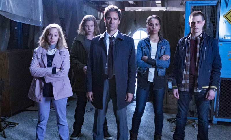 the key cast of Travelers