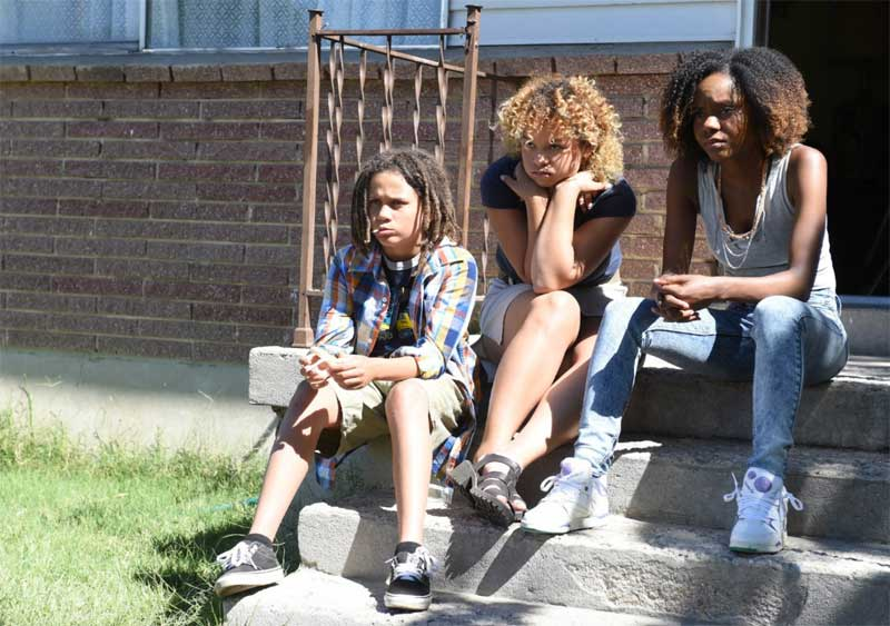 Ashleigh Murray, Rachel Crow, and Lance Gray in Deidra & Laney Rob a Train