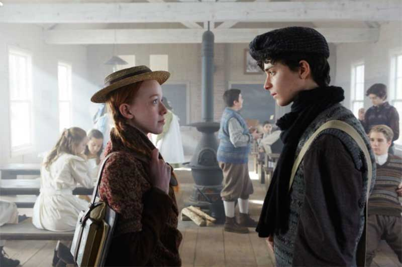 Amybeth McNulty and Lucas Jade Zumann in Anne with an E