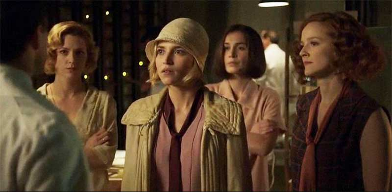 Ana Fernández and Ana Polvoro in Cable Girls