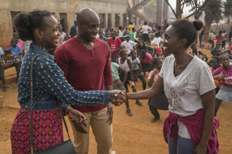 Toby Onwumere and Mumbi Maina in Sense8