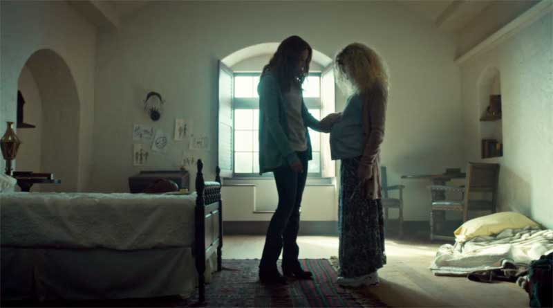 Zoé De Grand Maison and Tatiana Maslany as Helena in Orphan Black
