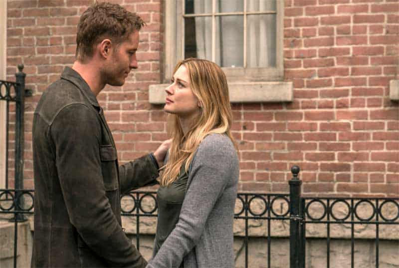 Justin Hartley and Alexandra Breckenridge in This is Us