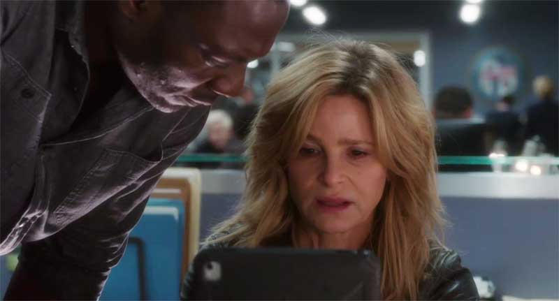 Adewale Akinnuoye-Agbaje and Kyra Sedgwick in Ten Days in the Valley