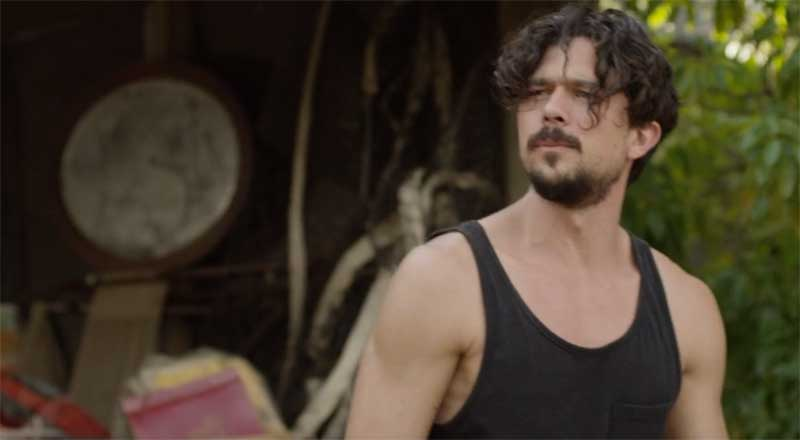 Luke Arnold in Glitch
