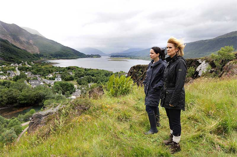 Laura Fraser and Siobhan Finneran in The Loch
