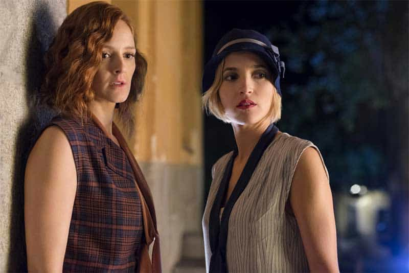 Ana Polvorosa and Ana Fernández in Cable Girls (Las Chicas Del Cable)