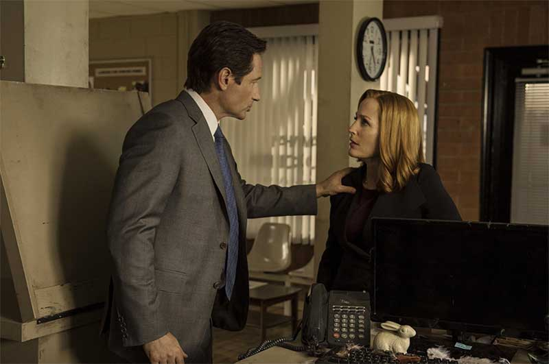 Gillian Anderson and David Duchovny in The X Files