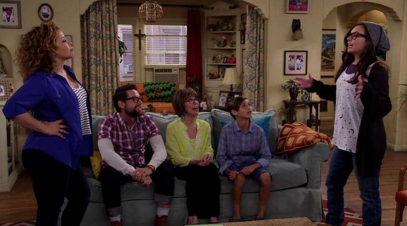 Rita Moreno, Justina Machado, Todd Grinnell, Isabella Gomez, Marcel Ruiz in One Day at a Time