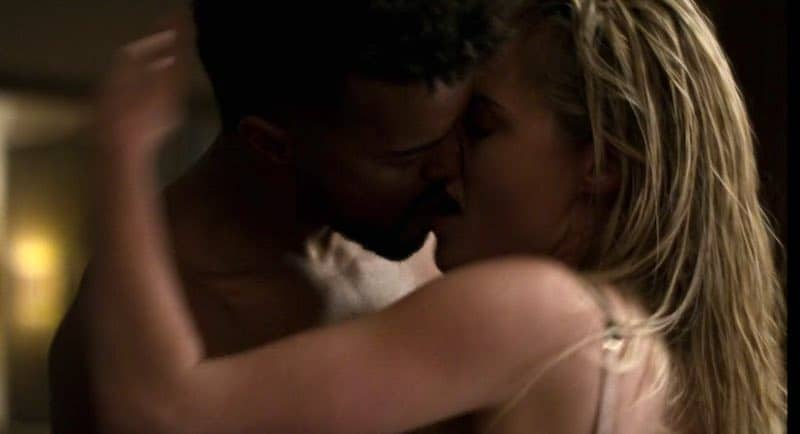 Eka Darville and Rachael Taylor in Jessica Jones