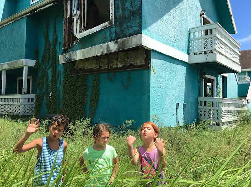 Brooklynn Prince, Valeria Cotto, and Christopher Rivera in The Florida Project