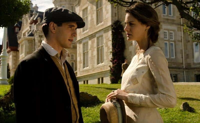Yon González and Amaia Salamanca in Grand Hotel (Gran Hotel)