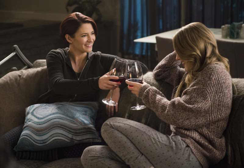Chyler Leigh and Melissa Benoist in Supergirl