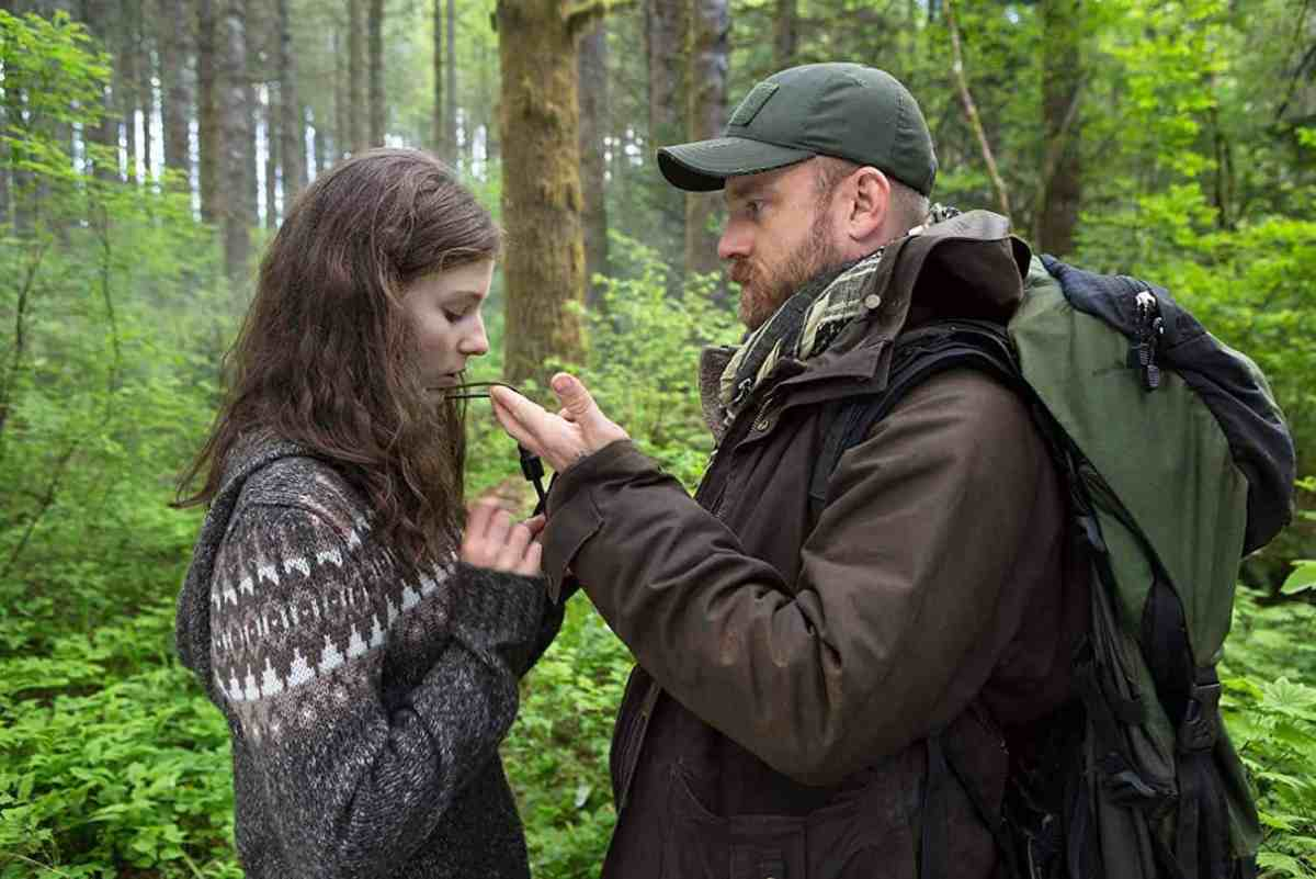 Ben Foster and Thomasin Harcourt McKenzie in Leave No Trace