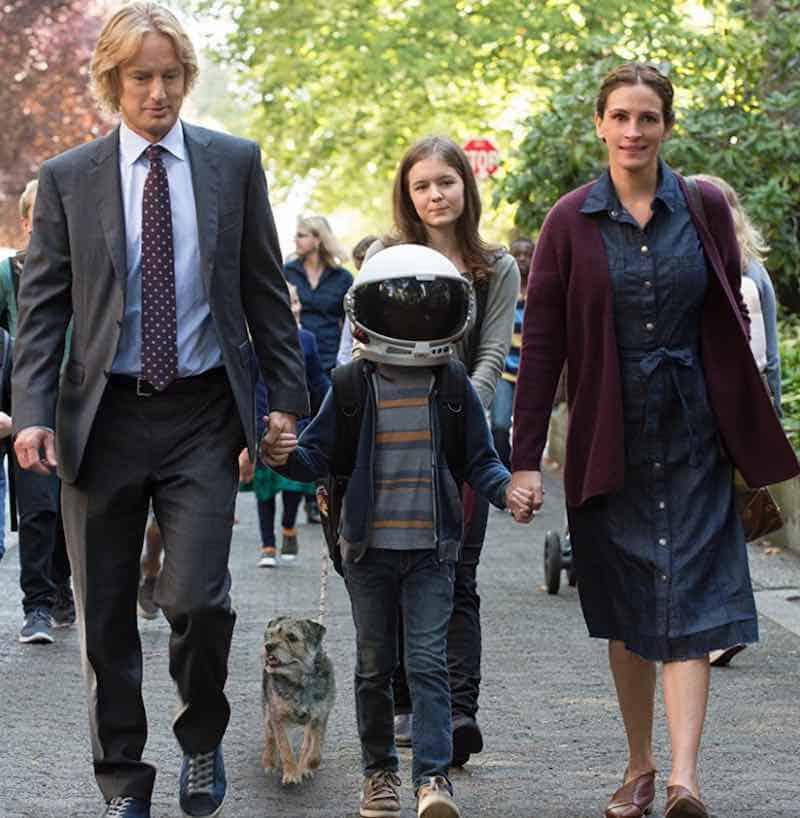 Julia Roberts, Owen Wilson, Izabela Vidovic, and Jacob Tremblay in Wonder