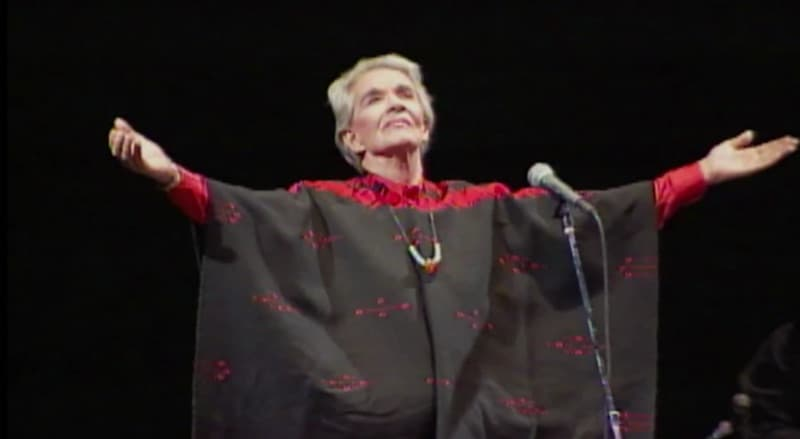 Review: Chavela