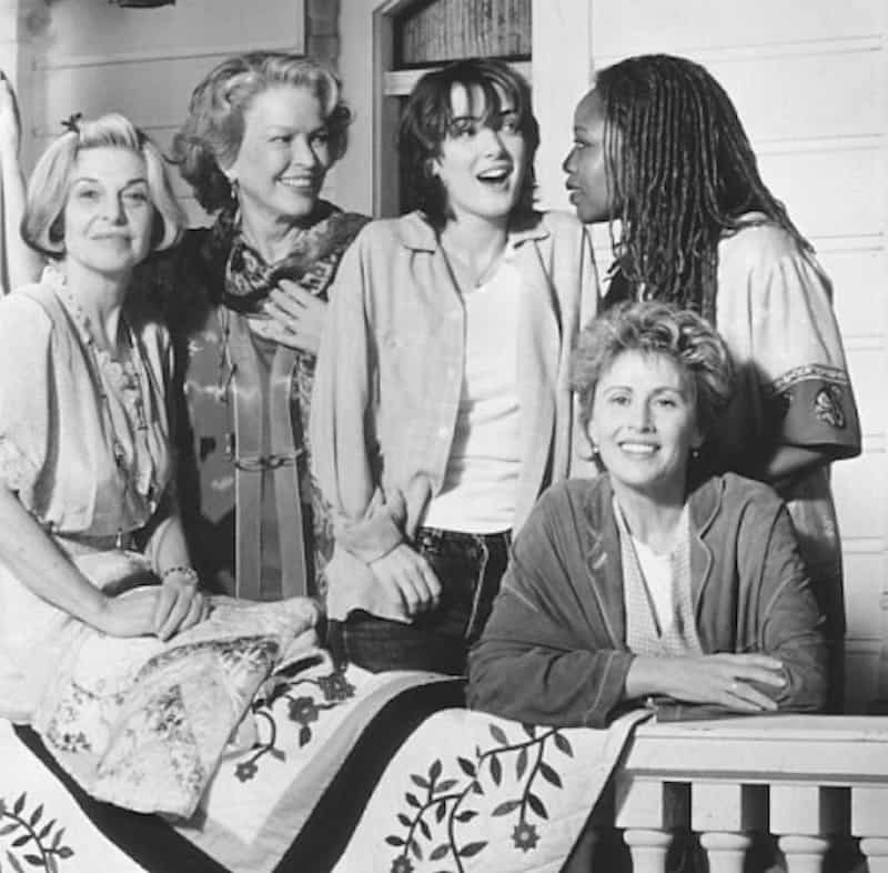 Winona Ryder, Anne Bancroft, Ellen Burstyn, Alfre Woodard, and Kate Nelligan in How to Make an American Quilt