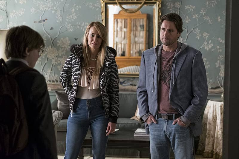 Sarah Paulson, Luke Wilson, and Oakes Fegley in The Goldfinch