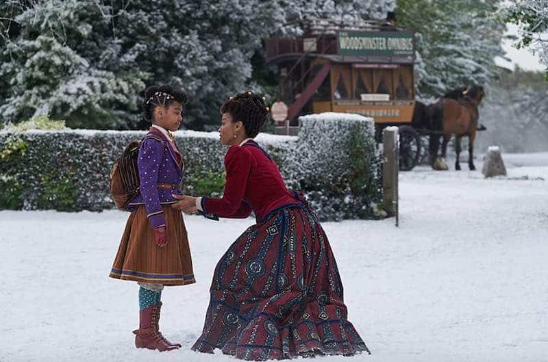 Anika Noni Rose and Madalen Mills in Jingle Jangle: A Christmas Journey