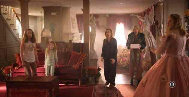 Isla Fisher, Mary Elizabeth Ellis, Jillian Bell, Jillian Shea Spaeder, and Willa Skye in Godmothered