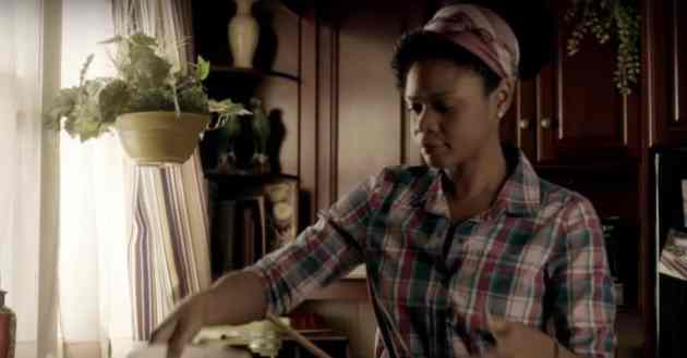 Kimberly Elise in Apple Mortgage Cake
