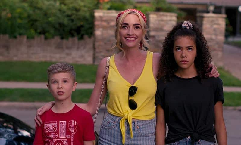Brianne Howey, Antonia Gentry, and Diesel La Torraca in Ginny and Georgia
