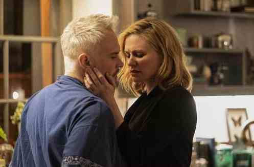 Marc Warren and Anna Paquin in Flack