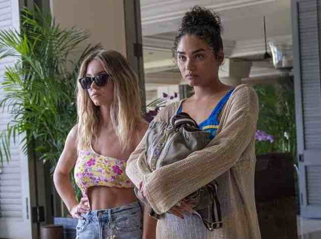 Sydney Sweeney and Brittany O'Grady in The White Lotus