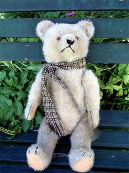 Germanbear-scarf1