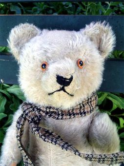 Germanbear-scarf2