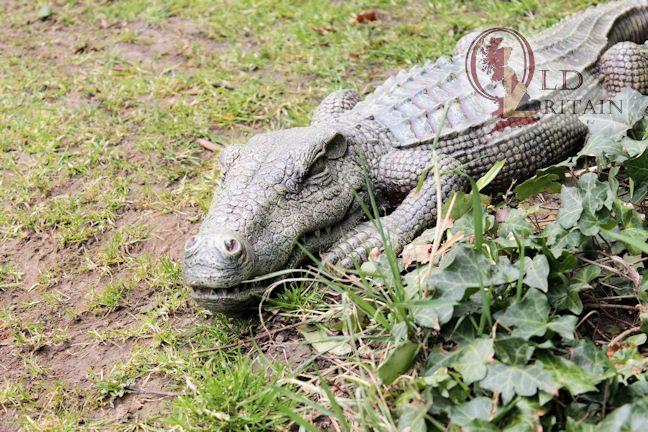 Alligator Statue Large Crocodile Sculpture