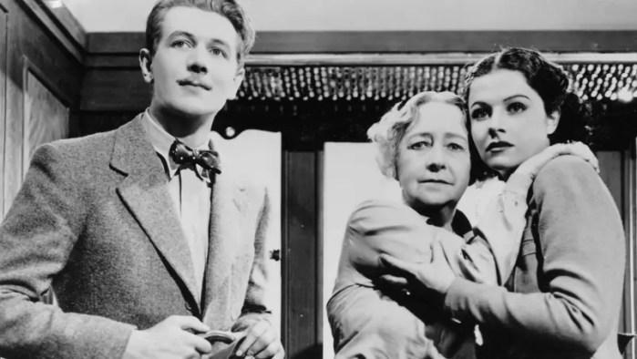 Top 25 filmów Hitchcocka - Starsza pani znika